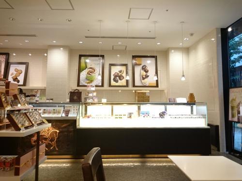 【ゴディバ】イートインもできる青山店で90周年記念ショコリキサー