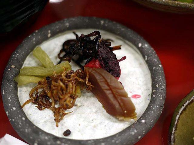 朝早くから奈良を感じる朝食。一言主神社近く「神仙境」の茶粥定食