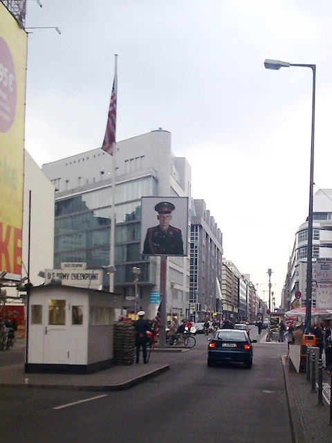 【連載】人類の悲劇を学ぶダークツーリズム。冷戦を象徴する「ベルリンの壁」