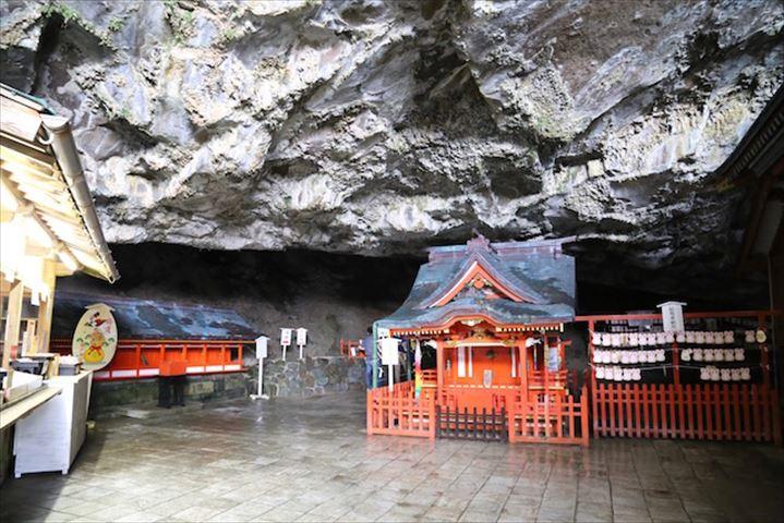 【宮崎のパワースポット】本殿は洞窟の中!神秘的すぎる鵜戸神宮
