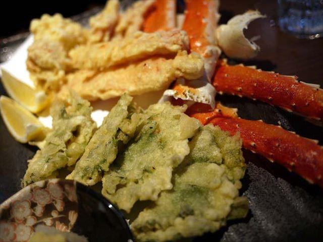 【銀座】「ヨイショ!ヨイショ!」のかけ声で蟹が山盛りの居酒屋