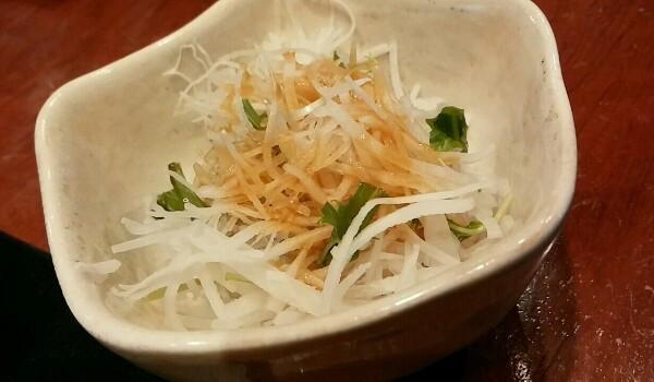 +100円の幸せ。「日本橋さとう」のカウンターでお寿司ランチ
