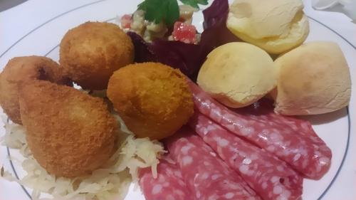 【東急プラザ銀座】大人の夏。プールサイドのブラジル料理ビアガーデン