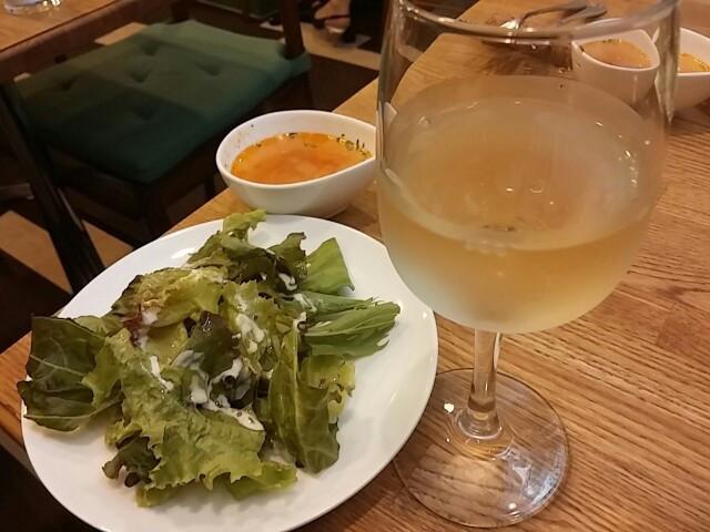 0円の天使が舞い降りた!昼のワインとパスタランチ「テゾーロ」