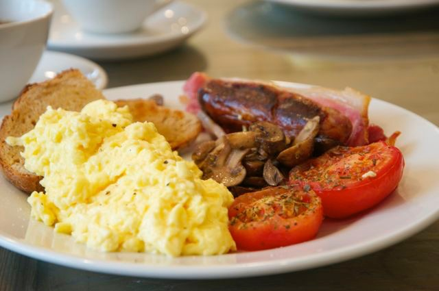 【気になる世界の朝ごはん】伝統的イギリス料理イングリッシュ・ブレックファスト