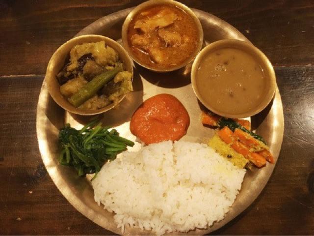 【渋谷】ネパリコの絶品ネパールカレー。ダルバートの美味しい食べ方