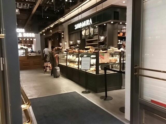 【新宿】テイクアウトも楽しめる「ベーカリー&レストラン沢村」