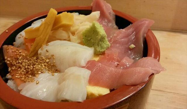 【日本橋】1日10食限定!お寿司やさんの五色丼ランチでおなかいっぱい