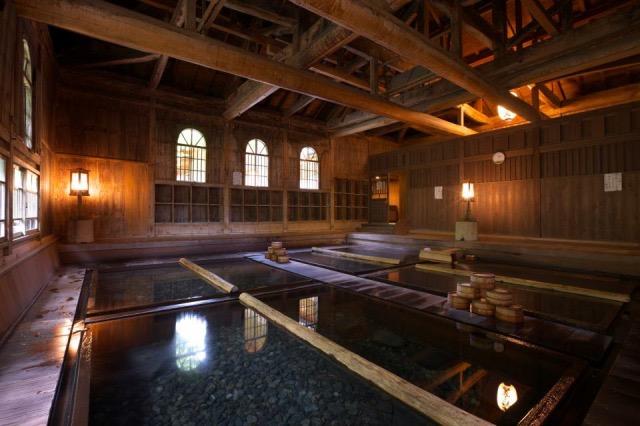 【一人旅歓迎の宿】日頃の疲れを完璧に癒せる秘湯「法師温泉 長寿館」