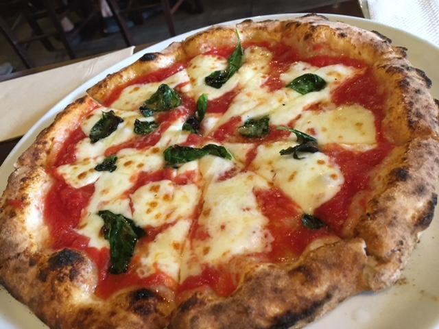 種類豊富なピザが食べられるイタリアン!美味しいし居心地もよいお店