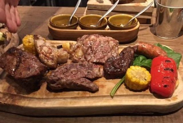 これで3300円!肉祭りさながらのハナサキ ブッチャーズストア