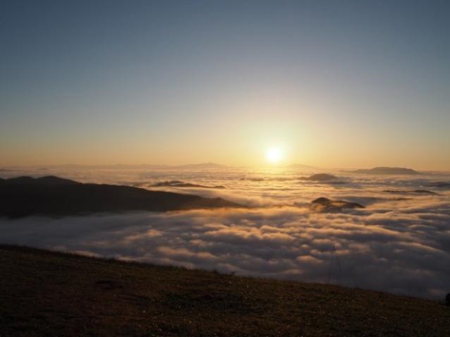 長野で望む3つの絶景。雲海・日の出・紅葉が見られるゲストハウス