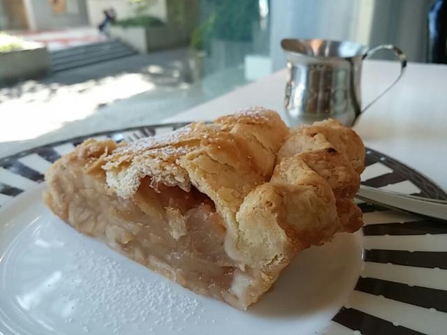 【代官山】行列のできるカフェ。「松之助NY」のビッグアップルパイ