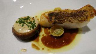 日本橋で季節の食材を使ったフルコースを味わう。フランス料理店「ラペ」