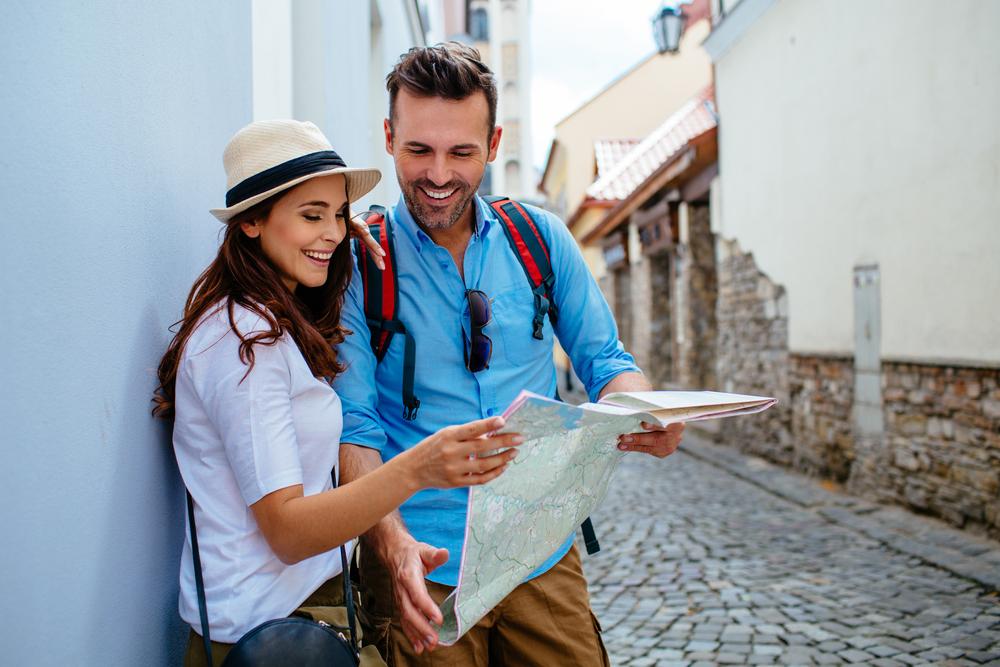 【旅先での恋愛事情】4人に1人が海外旅行中に恋愛を経験!