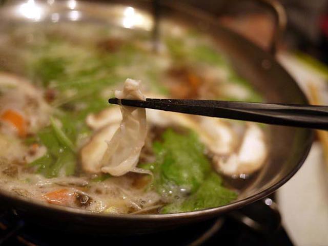 寿司屋ならではのネタ!サーモンと生蛸のしゃぶしゃぶが魅力の「魚がし日本一」