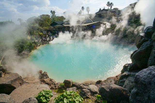 温泉に浸かりながらジェットコースター!世界に誇れるアミューズメントパーク誕生?