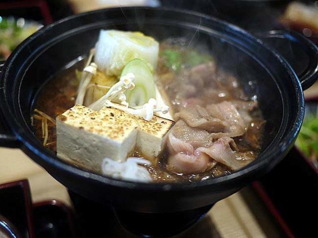 寄りたくなる「鳥取県江府町道の駅」。地場野菜とイノシシ鍋のランチ