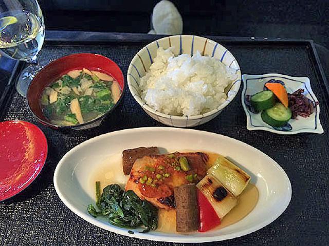 機内食レポート。JAL(日本航空)「羽田~バンコク」ビジネスクラス