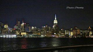 NY旅行の夜の楽しみ。幻想的な淡い光が印象的なマンハッタンの夜景