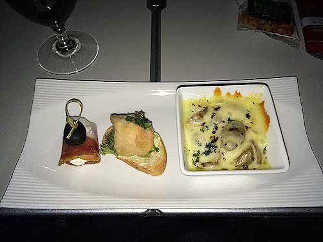 JAL(日本航空)「バンコク~羽田」ビジネスクラスの機内食レポ