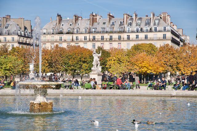 パリの秋の美しい風景のある公園 5選