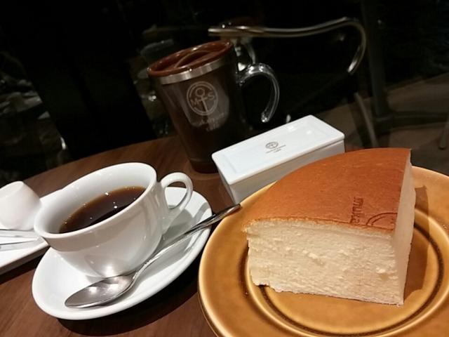 電子部品会社のキャラメルとチーズケーキが爆発的人気!?幸せを味わうカフェ