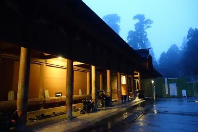 【比叡山延暦寺】俗世から離れて宿坊を体験。朝のピンとはりつめた空気が独特