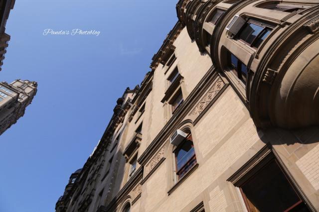 ジョンレノン夫妻も住んでいた。NYで最も入居審査が厳しい「ダコタハウス」