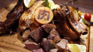 【秋葉原】種類豊富な山盛り肉にテンションが上がる「肉バル肉ソン大統領」
