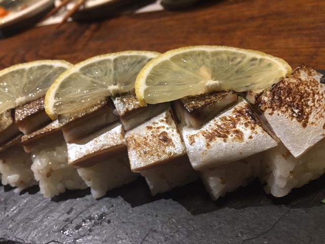 おすすめは鰹の塩タタキとしめ鯖!絶品土佐料理の「わらやき屋・浜松町」