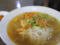 老舗から人気チェーン店まで。ヤンゴンで食べたミャンマー麺料理3選