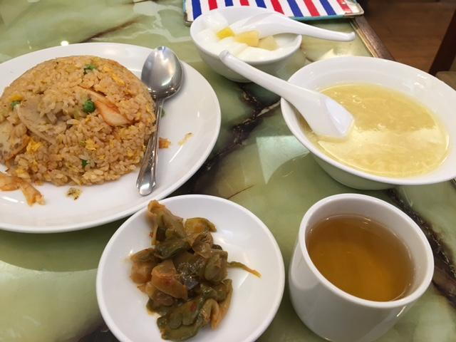 炒飯セットランチは770円とコスパよし。中華街にある「梅蘭酒家」