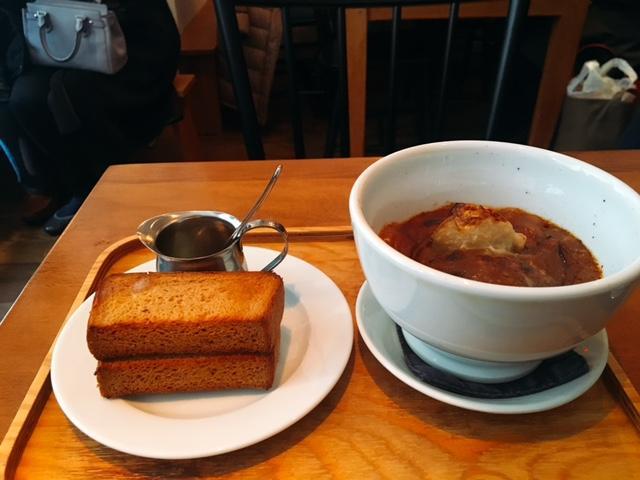 ライ麦パンと、とろけるお肉のビーフシチューが美味しい「LENTO」