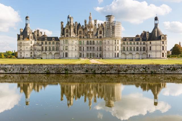 フランスのルネッサンス様式の建築の最高傑作と名高いロワールのシャンボール城