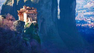 電気もネットもない静寂の世界?崖に建つ修道院に住んでくれる人募集中