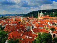 「百塔の街」を実感、世界遺産の街・プラハの絶景が楽しめるビュースポット4選