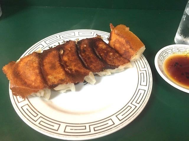 「餃子のお手本」ともいえる餃子がおいしすぎる!飯田橋「おけ以」