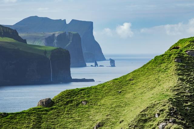 【まるでおとぎの国】絶景スポット盛りだくさんの「フェロー諸島」に行ってみたい