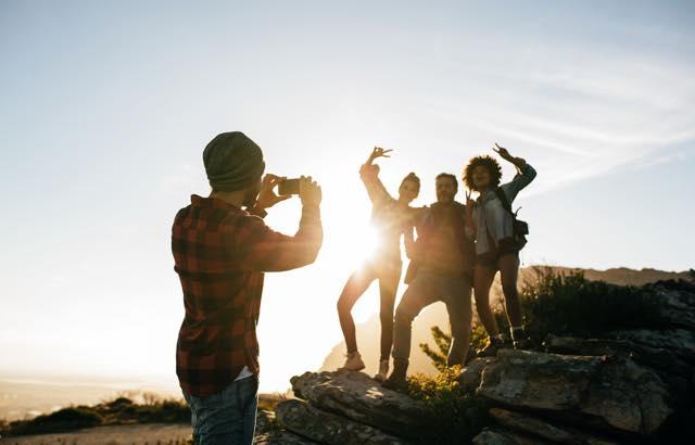 旅に連れていくなら、どのカメラ?気軽にスマホ?本格的に一眼?