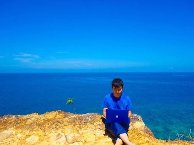 青好き検索第1位の僕が「青」を仕事にするまで【TABIZINE BLUE WEEK】