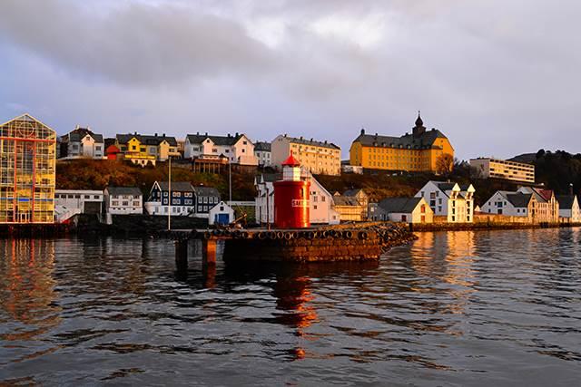 ノルウェー・オーレスンで出会った息をのむほどの絶景!