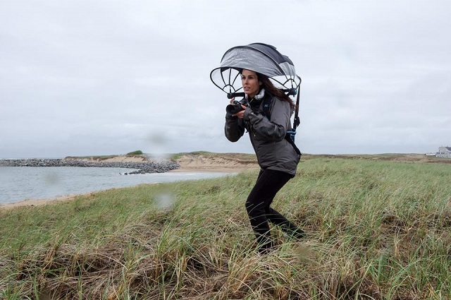 シャッターチャンスを逃さない!カメラも守るハンズフリー傘