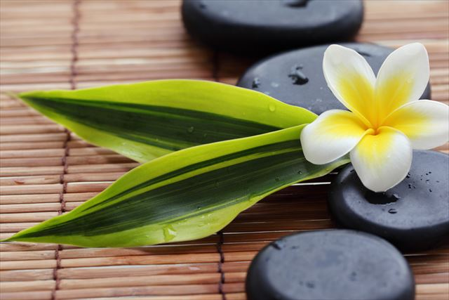 【世界の癒し】世界30か国を旅した筆者が癒された「バリの温石療法」