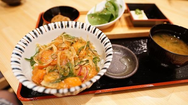 やっぱり日本食が恋しくなった!そんな時は【紅屋】
