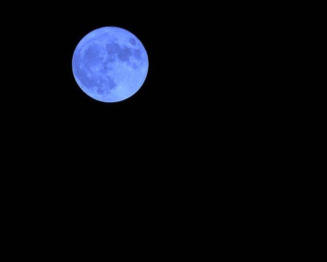 人生に稀にしか起こらないこと ブルームーン【TABIZINE BLUE WEEK】