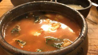【ソウルひとり飯】伝統家屋で、心に染みいる韓国風すいとんはいかが?