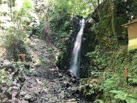 滝×温泉で究極の癒し旅!湯河原の知られざる名所「不動滝」は真夏のオアシスだった
