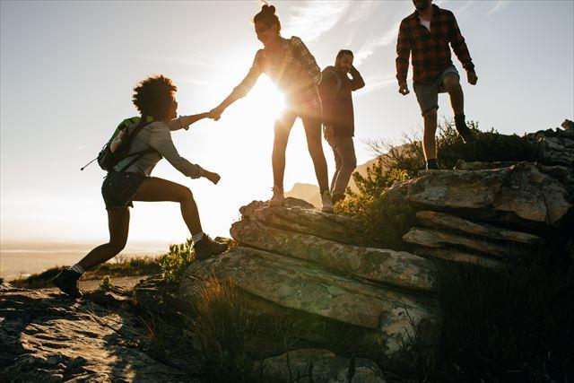 若い頃に一人旅を経験した人ほど年収が高い