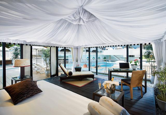 【ホテルニューオータニ】都会のアウトドアプールでリゾート気分を味わおう